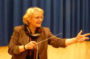 Eva Greipel-Werbeck dirigiert.